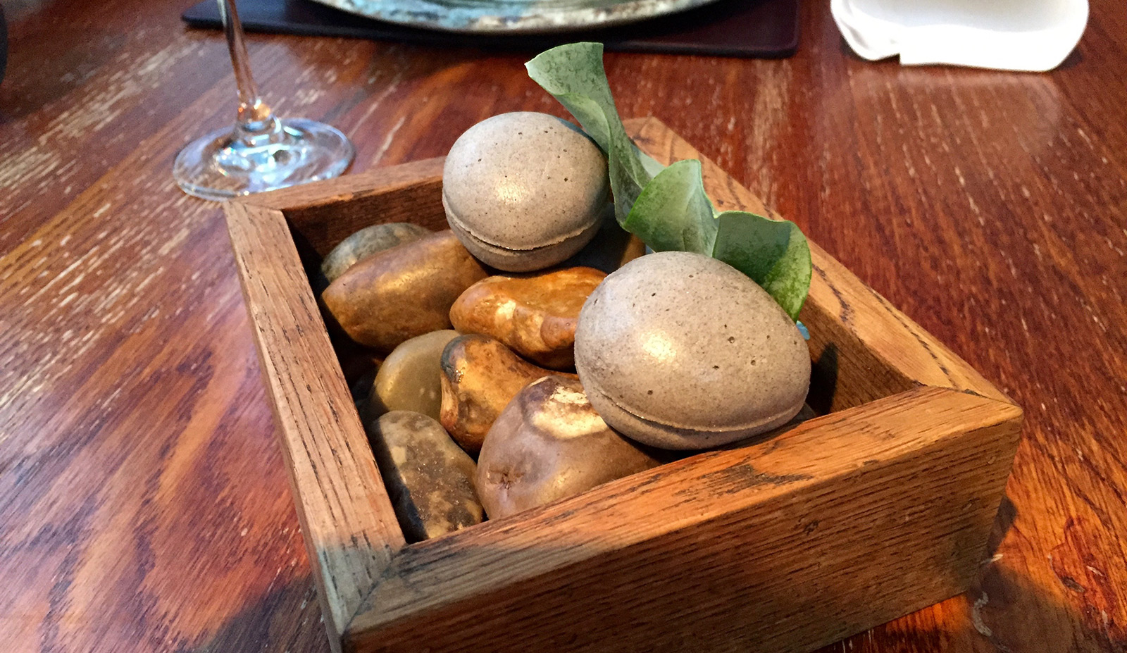 lenclume-oyster-pebbles